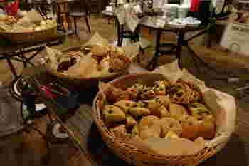 そして、うれしいことにランチはパンが食べ放題!