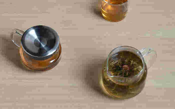 紅茶だけでなく、見た目も楽しめる中国の菊花茶にもオススメです。ガラス製品でホットの飲み物を頂くってなんだか少し贅沢な気分になれますよね。素敵なティータイムをおくることができる一品です。