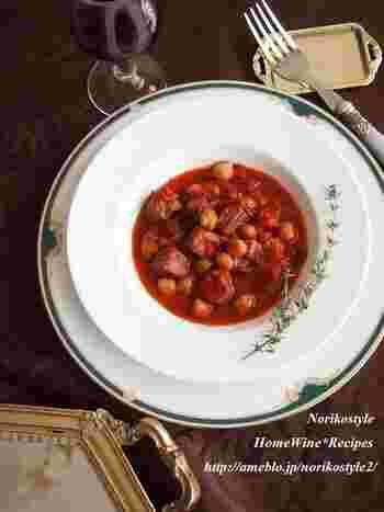 食材を切って煮込むだけの簡単ステップで作れます!豆はお好きなものを使用してもOKですよ。