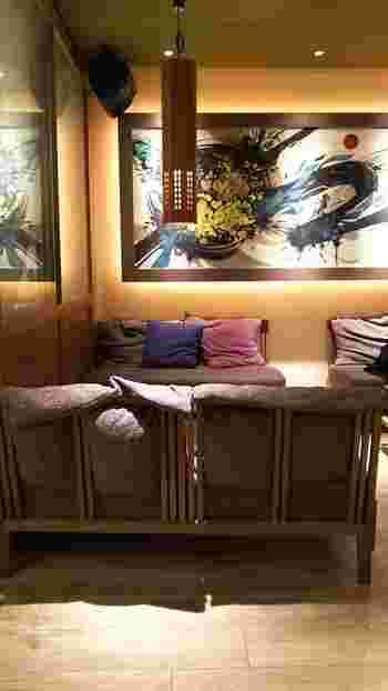 ゆったりとしたソファ席は、おしゃべりが弾む女子会にもぴったり。お座敷や半個室もあるので、さまざまなシーンで訪れたくなりますね。