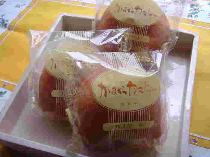 鎌倉カスターは鳩サブレと並ぶ鎌倉土産の定番。こちらの店舗にはイートインスペースがあり、鎌倉カスターのほか各種ケーキが味わえます。 鎌倉カスターの優しい甘さは、金沢街道散策の疲れを癒すにはピッタリ。勿論お土産にもどうぞ。