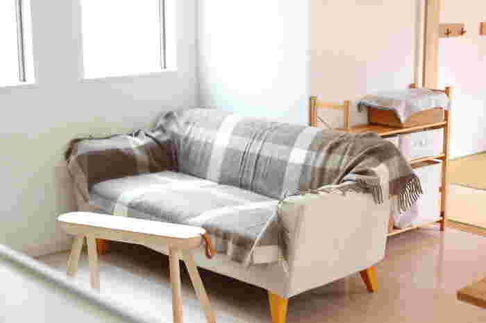 130cm×200㎝の大判のシルケボーのブランケットは、ベッドはもちろんソファもすっぽり。いつものソファの上にこれを広げるだけで、とにかく温かいんです。敷いたところからポカポカしてくるので、ソファ×ブランケットをまだ試されてない方は、是非一度チャレンジしてみてくださいね。