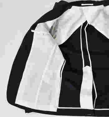 裏地は吸湿性、放湿性のあるコットンキュプラ素材。長く着られる本当にいい服は、裏側までくまなくこだわり抜かれています。