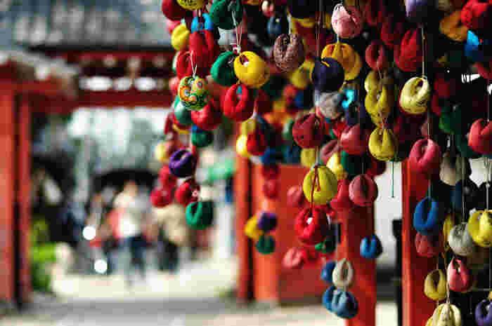 八坂庚申堂は、女性に人気のスポット。連日多くの女性が「八坂の庚申さん」に足を運びます。