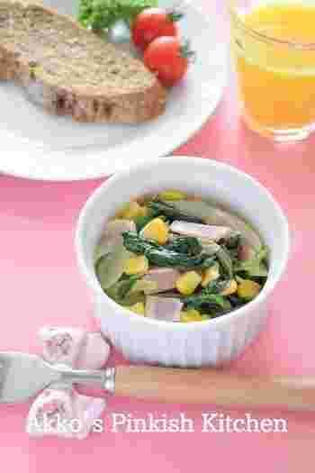 ココットの使い方は焼くばかりではありません。盛り付けの小皿に活用しても良いんですよ♪コーンやビーンズ、角切りの野菜など、小さな食材で作った炒め物を盛り付けるのにぴったりで、食べやすくなります。あともう一品ほしいときの器にぴったり!