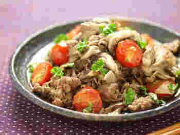 漬け込んで焼くだけ、の簡単レシピ。まいたけと玉ねぎの酵素が牛肉をしっとりと柔らかくしてくれるんだそう。
