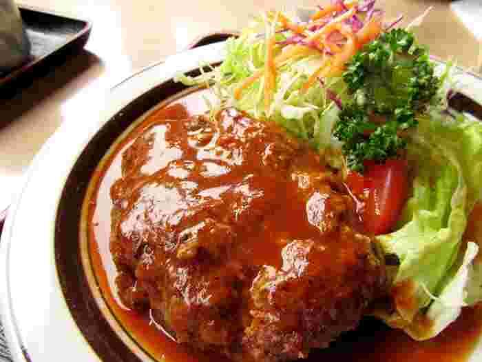 ぐつぐつ煮込んで深まる味わい。「煮込みハンバーグ」の色々レシピ