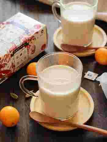 こちらは、台湾のウーロン茶「東方美人茶」を使ったミルクティーです。金柑のシロップ煮とカルダモンを入れて、体を優しく温める温活ドリンクに。