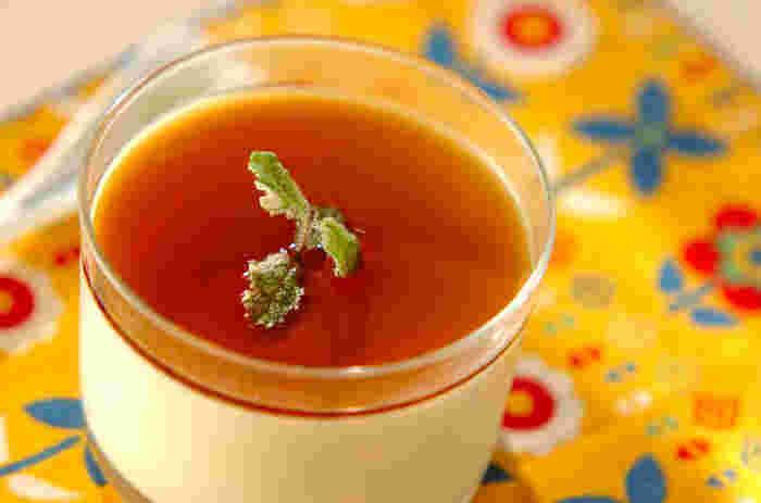 まずは基本のぷるぷる食感ミルクプリン♪メープルシロップの優しい甘さが癖になりますよ。