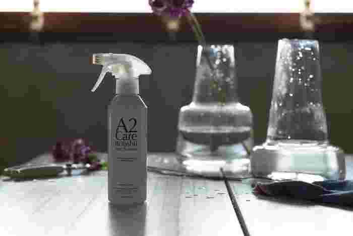 除菌と消臭を同時に行うことができるスプレーが一本あると、いろいろな場所の臭いに対応することができます。キッチンや洗面所といった水回りは嫌な臭いのもとになりがちなエリア。お掃除の最後には消臭にも心を配ってみましょう。