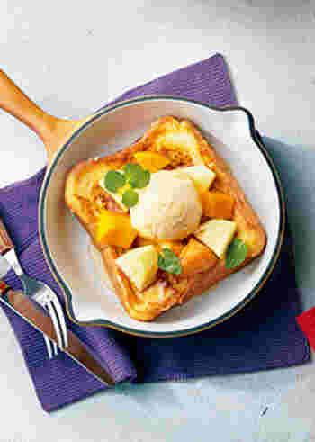 南国フルーツたっぷりのトロピカルフレンチトースト。爽やかなフルーツモーニングになりそう。休日のブランチなどにもぴったりですね。