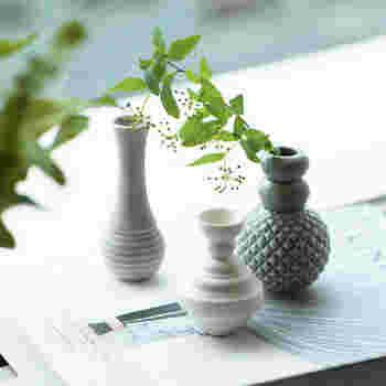 デンマークの陶磁器ブランドなのでお家にある北欧アイテムとの相性も抜群。小さな花や草木をちょこんと入れるだけでお部屋がぐっと垢抜けます。