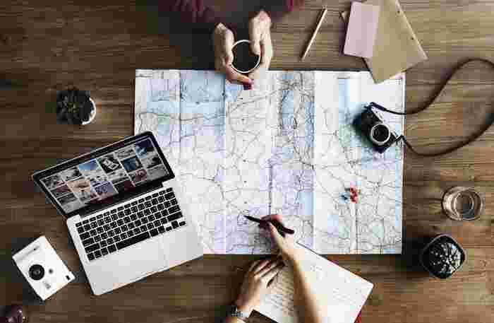 もうすぐ迎える年末年始、休暇中に帰省や観光などの旅行を計画している方は多いのではないでしょうか?どんな場所を巡るか、何を食べるかなど、細かいスケジュールを決めるのは楽しいものですよね。