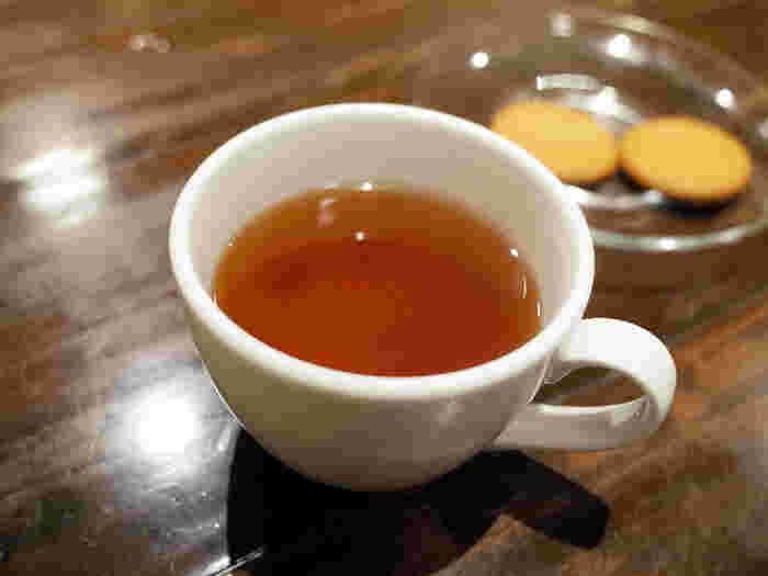 生産者の顔が見える、安心のお茶やコーヒーなどが揃っています。 お酒もあるので、お食事としてだけでなく、カフェ利用やBarとしても穴場スポットとして楽しめそうです。