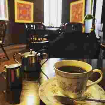 アンティーク調家具が素敵な喫茶店で、ノスタルジックなひと時を満喫してみても◎  別府駅東口から5分ほど歩いたところにある「なかむら珈琲店」も、おすすめのレトロスポットです。  温泉に入った後に立ち寄っても良さそうですね。