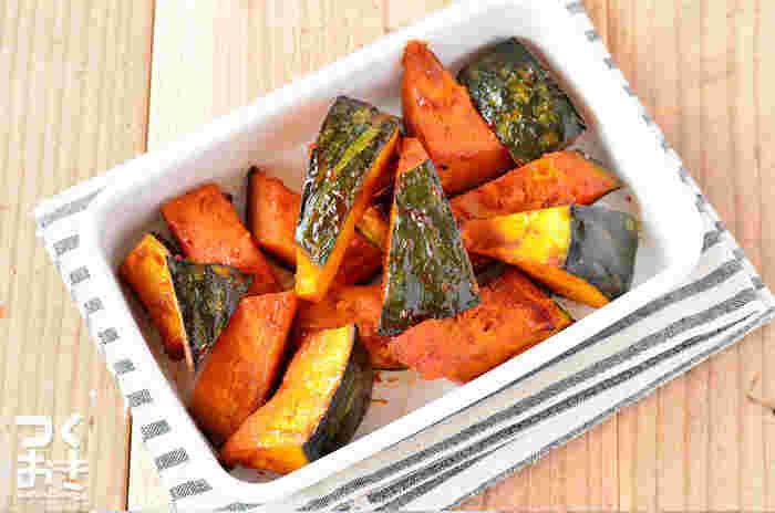 かぼちゃだけで作る美味しいグリル料理です。おうちにある調味料だけで作ることができるバーベキューソースもぜひ覚えておきたいレシピです。