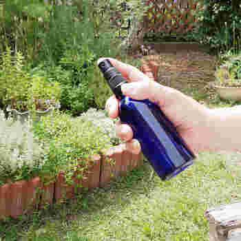 虫よけはしたいけど、身体に悪そうなものはなるべく避けたいもの。このモスキートスプレーなら、天然成分だからお肌にも安全で、清涼感のある香りも気持ちいい。
