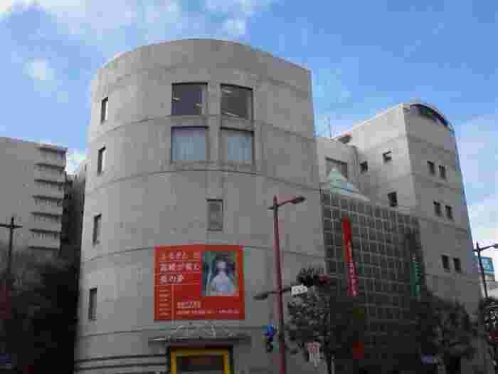 高崎駅から徒歩3分の距離にあり、手軽に立ち寄れる人気観光スポット「高崎市美術館」。