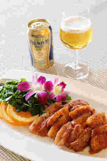 豚バラのジューシーさに甘辛のタレがよく合います。トマトの酸味がおいしさを引き立て、お酒がすすみます。
