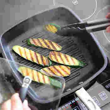 アメリカ生まれ・マイヤーのグリルパンは、日本製のステンレスを採用。コンパクトでちょうど良いサイズ感です。