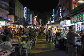 ここで紹介した以外にも、台湾には本当に安くて美味しいグルメが盛り沢山。観光旅行のはずがグルメ旅になってしまった人も少なくありません。1度の旅行では食べ切れないので、ぜひ2度、3度と足を運んでくださいね。