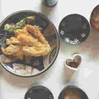 梅肉でさっぱりいただくささみの揚げ焼き。あっさり味がおいしくて健康的なレシピです。