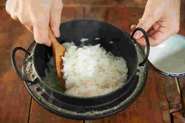 鉄鍋で炊いたごはんはもっちり感はあるのにあっさりとしていて、思わず何杯もおかわりしてしまいそうな美味しさでした