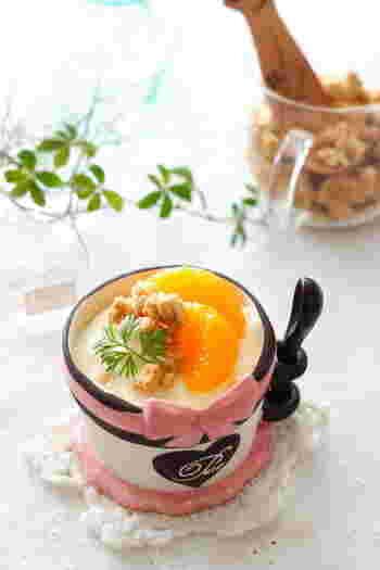 パルフェとは、生クリームをベースに作ったアイスクリームのことなのだとか。潰したみかんの果実とヨーグルトを合わせているので、濃厚ながらも爽やかな味わいが楽しめそうです。