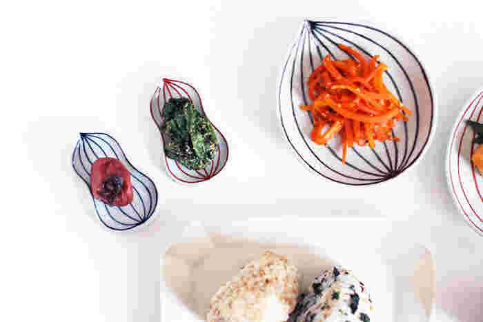 おひたしやきんぴら、といった「おばんざい」こそ、豆皿が大活躍です♪ ひょうたん型の豆皿は、かわいらしさもシンプルさもあり、定番の食材がよく似合います。