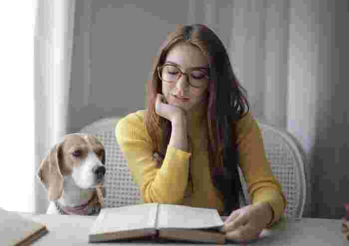 不安やストレスで頭がいっぱいになってしまう時は、気持ちを一旦リセットするのが一番です。無心になれる本や好奇心をくすぐる本をセレクトして、心が安らぐ時間を作ってみて下さいね。