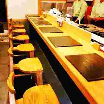 8席だけのカウンターは、まるでお寿司屋さんのような雰囲気。スイーツそのものをじっくり味わいいましょう。