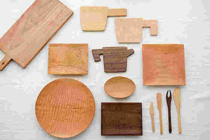 美しい経年変化を楽しみながら長く愛用できる「木の道具」は、使い続けているうちに一緒に年齢を重ねているような不思議な感覚をおぼえます。