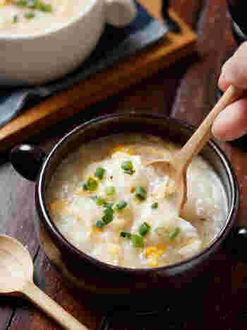 すりおろした長芋と卵の味わいがとてもやさしい中華風のスープ。しょうがを少し加えて心もからだもぽかぽかです。風邪をひいた時にもおすすめ。