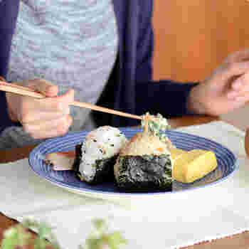 日本の映画「かもめ食堂」で使われていたお皿でもあり、北欧インテリア好きな方たちからも高い支持を得ているシリーズです。