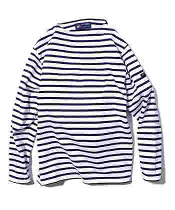 次にご紹介するのは、シンプルで上質なアイテムを提案するフランスのマリンウェアブランド「SAINT JAMES(セントジェームス)」。袖にロゴをあしらった肉厚なバスクシャツ「OUESSANT(ウエッソン)」は、体のラインを拾いにくく着心地も抜群。ブランドの定番アイテムとして世界中で愛され続けているロングセラー商品です。爽やかなボーダー柄やカラフルな無地など、様々なデザインを展開しています。