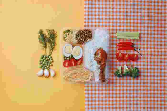 毎日調理をするのが面倒という方は、週末や休日にまとめて作り置きをして平日で徐々に食べ進めるのも◎お弁当にもぱぱっと入れることができるので便利です。 作り置きレシピはこのあと詳しくご紹介します♪