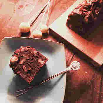 ケーキのような、チョコレートのような…。ブラウニーは、男性にもとても人気のあるスイーツです。自分らしいセンスをプラスして、ぜひスペシャルなバレンタイン・ブラウニーを作ってみませんか?
