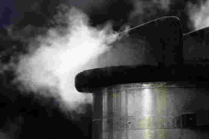 あとは、カップなど型の大きさにもよりますが、蒸し器で15分~20程度強火で蒸すだけ。竹串を刺して、なにも付いてこなければできあがり。