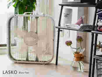アメリカの老舗メーカー・LASKO社の「ボックスファン」。サーキュレーター&扇風機として使える、コンパクトなのにパワフルなファンです。冷房を使うときに併用することで、冷たい空気を部屋に効率よく循環させ、電気代の節約にもなります。