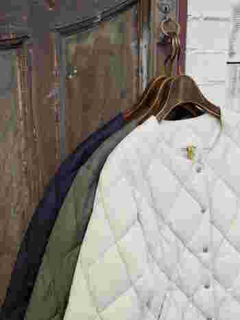 薄手なのに暖かい「ライナージャケット」や「インナーダウン」は、秋冬のファッションで大活躍します。インナーとしてもアウターとしても優秀なので、コーデの主役にも名脇役にもなるんです。