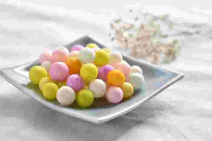 【香川】讃岐のおいり 「心をまるく持って、まめまめしく働きます」意味が込められた縁起菓子。香川地方ではお嫁さんのお土産や引き菓子として婚礼の際に配られるそうです。