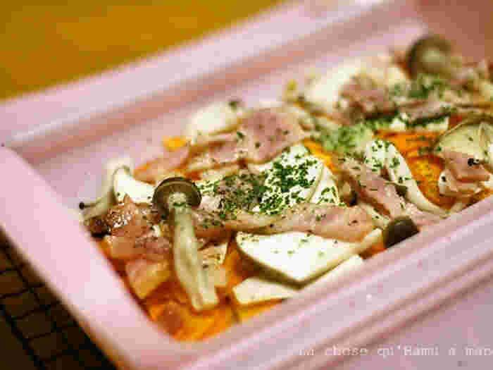 ベーコンから旨みがでるので、味付けは少し塩胡椒をふりかけるだけでおいしく食べられます。素材そのものの美味しさがギュッと詰まった一品です。