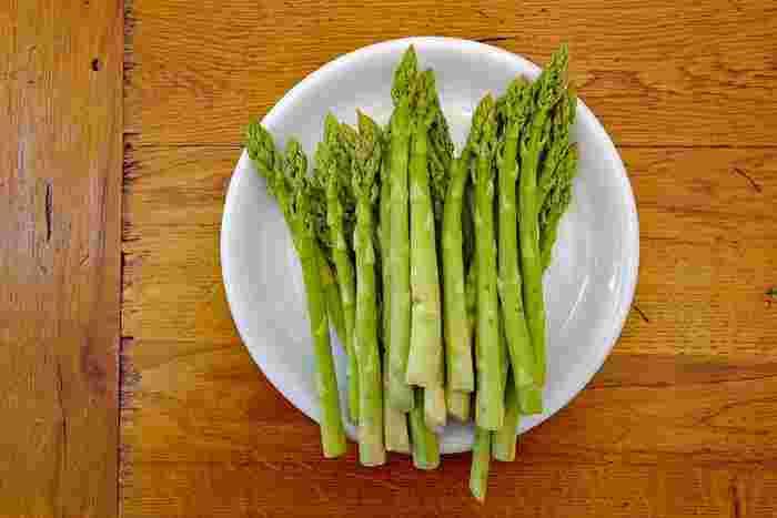 アスパラの人気レシピ40選。サラダやお弁当まで使える名脇役を上手に調理!