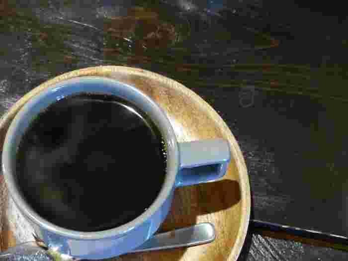 丁寧に淹れられたコーヒーはまた格別なもの。ハイセンスなものたちに囲まれてゆっくりとした時間を過ごすのもいいですね。