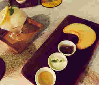 コーヒーのお供には、三日月型が可愛い「月のレモンケーキ」がおすすめ!