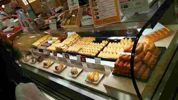 豆狸のおいなりさんは、種類が豊富でどれにしようか悩んでしまいます。どれもとっても美味しそう!