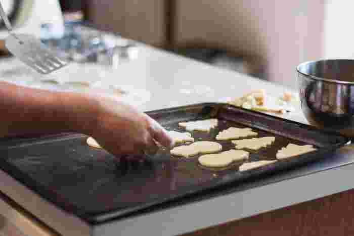 クッキー作りが趣味の人がいてクッキーを作ってくれたら何といいますか?「すごい!」で終われせてはその後の言葉にもつながりませんよね。「どうやって作るのですか?」「〇さんらしい趣味ですよね」などの言葉を添えると、相手に興味あることが感じられます。このような言葉を言われると、言われた方も嬉しいですよね。