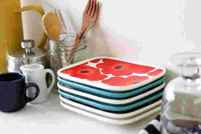 テーブルを華やかに彩ってくれるお皿たち。特にマリメッコのデザインは、パッと目を引く素敵な柄が魅力です。シンプルな形だから、使い勝手も◎。お家の一枚に加えてみませんか?