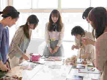 2015年5月に、世田谷ものづくり学校にハンドメイドスペース『minneのアトリエ』がオープンしました。作家同士の交流会や勉強会、ワークショップが開催されています。