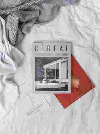 2012年にイギリスで創刊された「CEREAL(シリアル)」は、白を基調としたミニマルで美しいデザインが特徴です。同時期に創刊された「KINFOLK(キンフォーク)」よりも、もう少し都会的なイメージ。